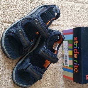 Boys size 12 water shoes stride rite
